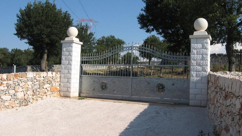 Colonna autoportante per cancelli pastore prefabbricati for Colonne in pietra per cancelli