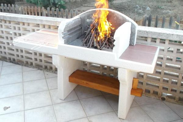 Barbecue cemento prefabbricato